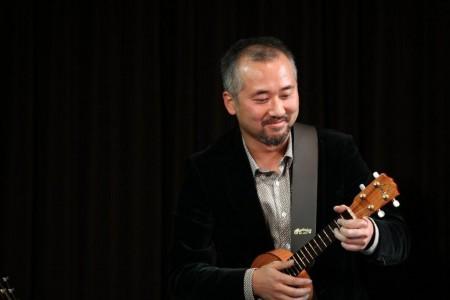 ウクレレ&ギター「浦本和宏」