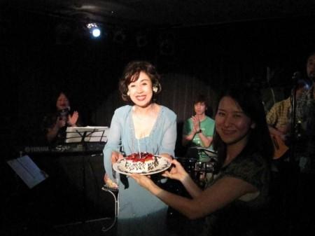 バースディケーキとブーケが!